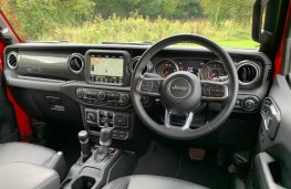 Jeep Wrangler, interior