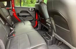 Jeep Wrangler, rear seats
