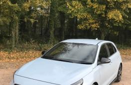 Hyundai i30, front