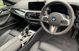 BMW 5-Series, interior