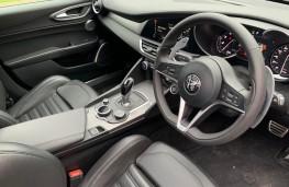 Alfa Romeo Giulia Veloce, interior