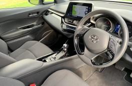 Toyota C-HR, interior