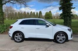 Audi Q3, side