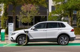 Volkswagen Tiguan eHybrid, 2021, charging