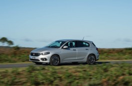 Fiat Tipo, 2016, side, moving