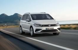 Volkswagen Touran R-Line, front