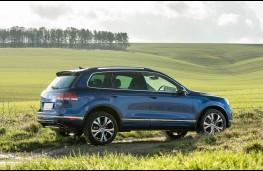 Volkswagen Touareg, side
