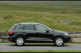 VW Touareg, side