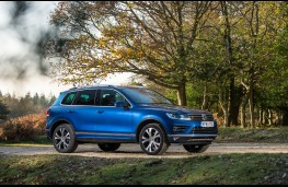 Volkswagen Touareg, side, static