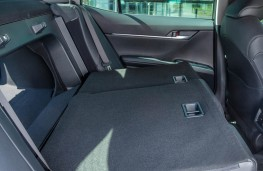 Toyota Camry, rear seats 2