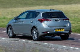 Toyota Auris, rear action