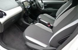 Toyota Aygo, front seat