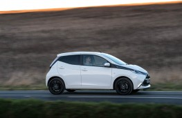 Toyota Aygo, side action