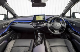 Toyota C-HR, dashboard