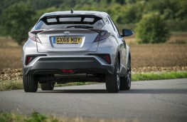 Toyota C-HR, rear action 2