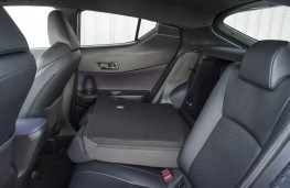 Toyota CH-R, rear seats