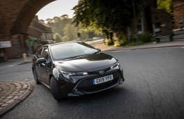 Toyota Corolla Sports Touring, front