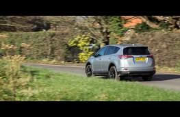 Toyota RAV4, rear