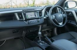 Toyota RAV4 Hybrid, interior