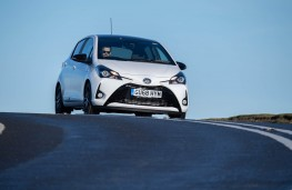 Toyota Yaris, front