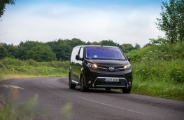 Toyota Proace Verso, front