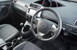Toyota Verso, interior