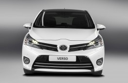 Toyota Verso, front