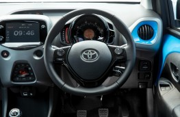 Toyota Aygo, interior