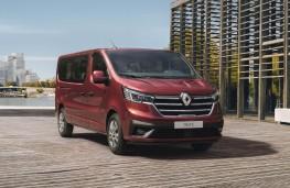 Renault Trafic Passenger, 2020, front