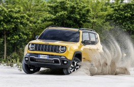 Jeep Renegade Trailhawk, 2018, off road, front
