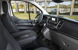 Ford Transit Custom Plug-in Hybrid, 2019, interior