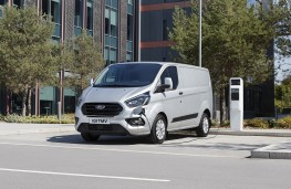 Ford Transit Custom PHEV, 2020, charging