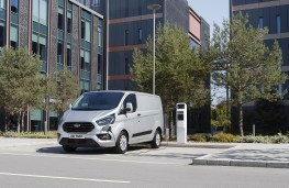Ford Transit Custom Plug-in Hybrid, 2019, front