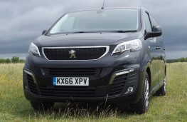 Peugeot Traveller, head on