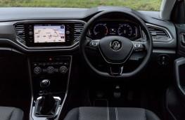 Volkswagen T-Roc, 1.0 TSI Design, 2017, interior