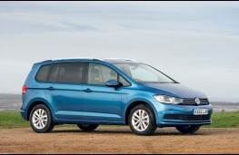 Volkswagen Touran 2016, side