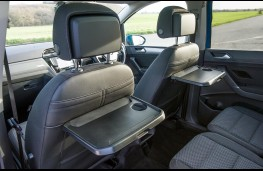 Volkswagen Touran 2016, fold down tables
