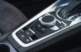 Audi TT Roadster, 2019, controls