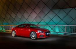 Audi TT 2.0 TDI quattro, side, static