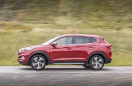 Hyundai Tucson 2015, side