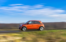Renault Twingo GT, 2017, side, action