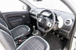 Renault Twingo Iconic, 2017, interior