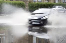 Driving through flood, 2021, aquaplaning