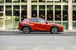 Lexus UX, 2020, side, action