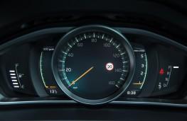 Volvo V40, dash