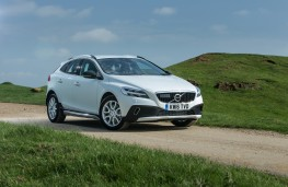 Volvo V40 Cross Country, 2016, front