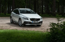 Volvo V40 Cross Country, 2016, front, static