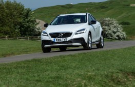 Volvo V40 Cross Country, 2017, front