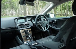 Volvo V40 Cross Country, 2017, interior