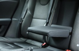Volvo V40 Cross Country, 2017, rear seats